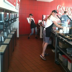 Photo taken at Golden Spoon by Ariana T. on 9/2/2012