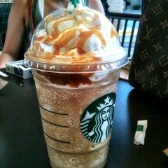 Photo taken at Starbucks by Valentina T. on 8/12/2012