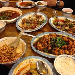Photo taken at Spicy & Tasty 膳坊 by Matthew K. on 3/26/2012