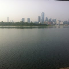 Photo taken at Han River Bicycle Path 한강 자전거도로 by Dominique D. on 6/11/2012