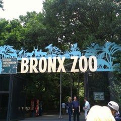 Photo taken at Bronx Zoo by Jeannette N. on 6/24/2012