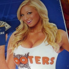 Photo taken at Hooters by Alec B. on 7/30/2012