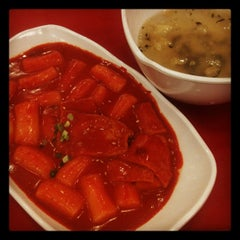 Photo taken at 죠스떡볶이 by 아미 A. on 2/22/2012