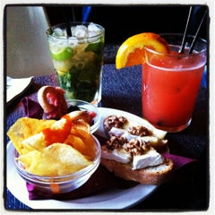 Das Foto wurde bei Chatelet Bar von Jos M. am 5/1/2012 aufgenommen