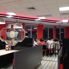 Photo taken at Steak 'n Shake by Steve Y. on 3/3/2012