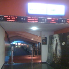 Photo taken at Cine Roxy by Maria Beatriz G. on 5/26/2012