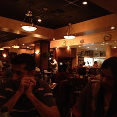 Photo taken at Carrabba's Italian Grill by Paipee on 3/26/2012