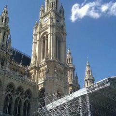 Das Foto wurde bei Rathausplatz von Igor V. am 4/25/2012 aufgenommen