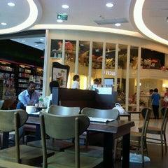 Photo taken at Bangkok Plaza (บางกอก พลาซ่า) by thummanoon k. on 7/13/2012