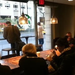 Photo taken at Starbucks by Gonzalo N. on 3/27/2012