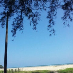 Photo taken at Pantai Cherating by Jireh H. on 8/19/2012