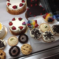Photo taken at Firehook Bakery and Coffee House by Line S. on 6/8/2012