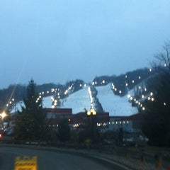 Photo taken at Bear Creek Mountain Resort and Conference Center by Mark H. on 2/11/2012