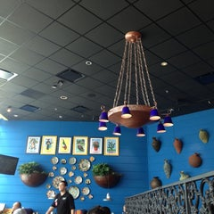Photo taken at On The Border Mexican Grill & Cantina by Linda K. on 8/31/2012