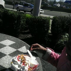 Photo taken at Checkers by Samantha J. on 4/2/2012