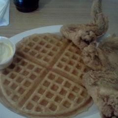 Photo taken at Niecie's Restaurant by Sherrod T. on 7/23/2012