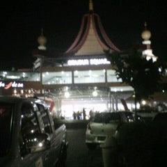 Photo taken at Rest Area KM 10 (Cibubur Square) by sekar💋 on 7/9/2012