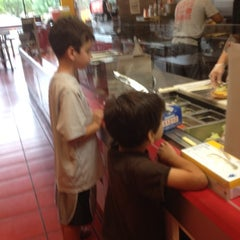 Photo taken at MOOYAH Burgers, Fries & Shakes by Mara on 7/11/2012
