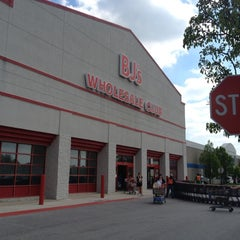 Photo taken at BJ's Wholesale Club by Heather B. on 4/20/2012