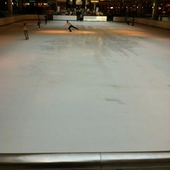 Photo taken at Ice at the Galleria by Dora Guillén S. on 8/6/2012