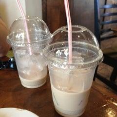 Photo taken at Black Walnut Bakery Cafe by Amy P. on 5/20/2012