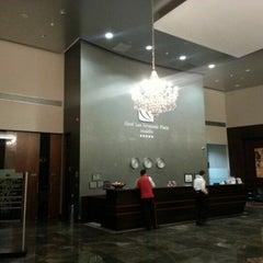 Foto tomada en Hotel San Fernando Plaza por Alexander B. el 8/4/2012