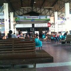 Photo taken at สถานีขนส่งผู้โดยสารจังหวัดลําปาง (Lampang Bus Terminal) by Siripong T. on 3/4/2012