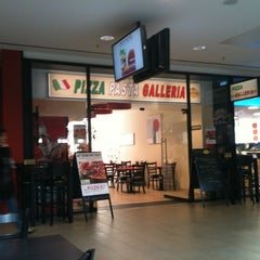Photo taken at Pizza Galleria by Andreas H. on 4/4/2012