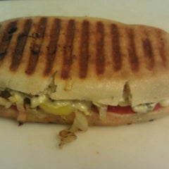 Photo taken at Fresh Harvest Deli by Michael H. on 7/31/2012
