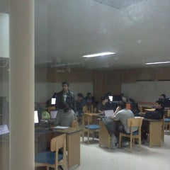 Photo taken at Facultad de Ciencias Empresariales by Milo G. on 4/11/2012