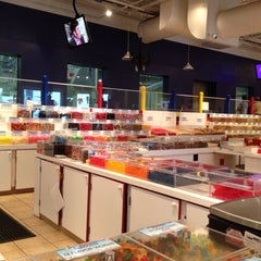 Photo taken at Albanese Confectionery by Erin M. on 8/13/2012