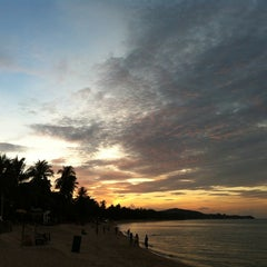 Photo taken at Maenamburi Resort by Kris P. on 5/17/2012