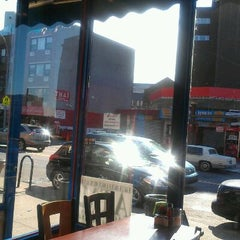 Photo taken at Country House Diner by Moedon D. on 2/5/2012