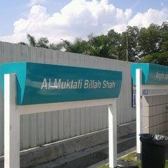 Photo taken at Petronas Al Muktafi Billah Shah by Zuhri R. on 6/28/2012