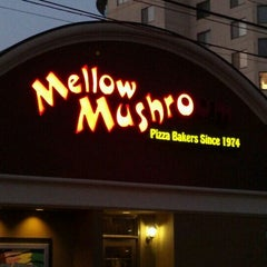 Photo taken at Mellow Mushroom by Dana H. on 6/30/2012
