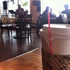 Photo taken at Vagabond Blues by Nessa V. on 4/29/2012