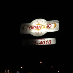 Photo taken at Formaggio Pizzaria by Jonah on 4/23/2012