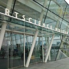 Photo taken at ArtScience Museum by Alisa W. on 9/10/2012