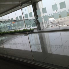 Photo taken at Philippine Airlines by Penpen Q. on 5/30/2012