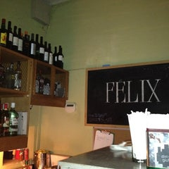 Photo taken at Félix by Adizayeth on 6/29/2012