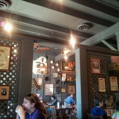 Photo taken at Cracker Barrel Old Country Store by david s. on 9/9/2012