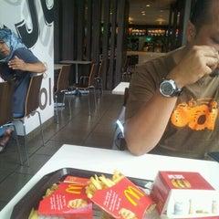 Photo taken at McDonald's by Enawati Y. on 4/30/2012