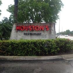 Houston's corkage fee