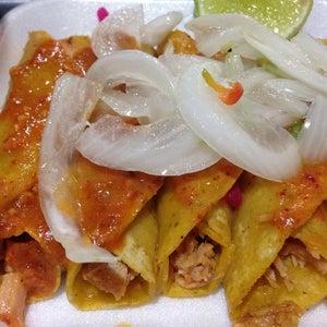 Tacos de cochinita El Cheff