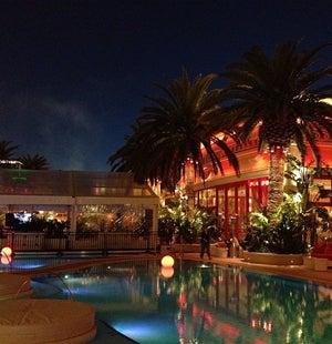 JoshuaSWarren: I love my job and this community. #MagentoImagine (at @EncoreBeachClub in Las Vegas, NV w/ @sherrierohde @vkerkhoff) https://t.co/FT8hVjFX5i