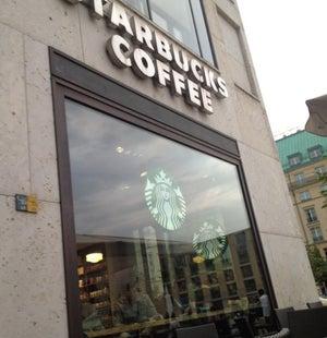 Mijmerend over het kapitalisme (at @StarbucksDe in Berlin) https://t.co/i2V4M1HBqx
