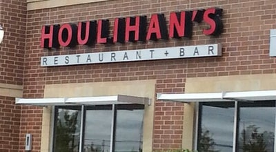 Photo of American Restaurant Houlihan's Naperville at 2860 Showplace Dr, Naperville, IL 60564, United States