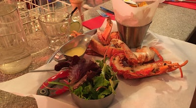 Photo of Seafood Restaurant Les Pinces at 29 Rue Du Bourg Tibourg, Paris 75004, France