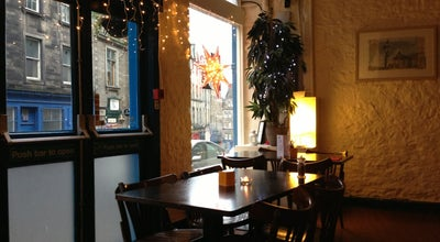 Photo of Cafe Howies at 10-14 Victoria St, Edinburgh EH1 2HG, United Kingdom