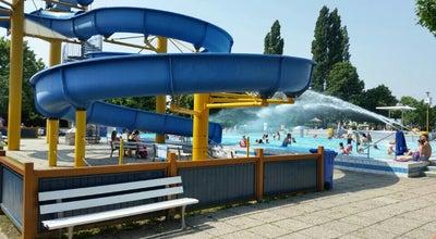 Photo of Water Park Großfeldsiedlungsbad at Oswald-redlich-straße 44, Vienna 1210, Austria